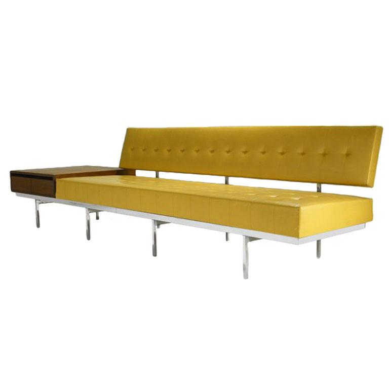 Etonnant Florence Knoll Sofa With Walnut End Table